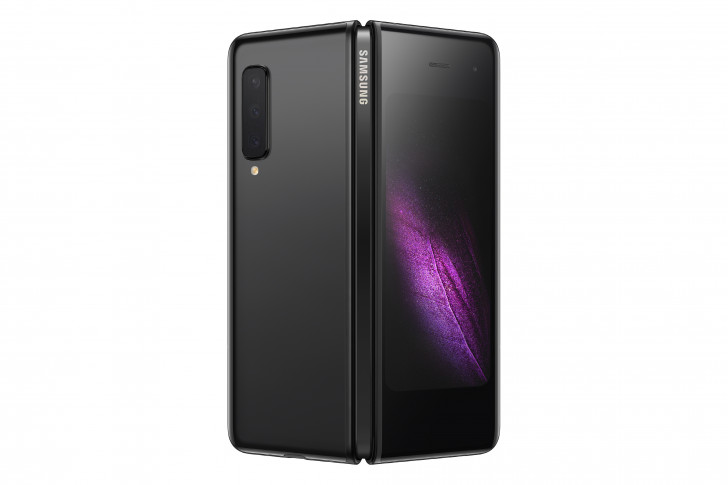 Unlocked Samsung Galaxy Fold Starts Receiving Android 11 In US